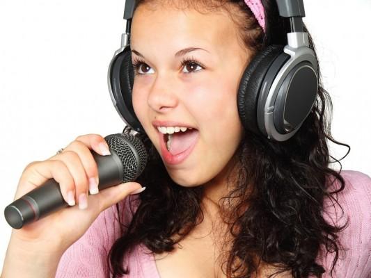 girl-singer